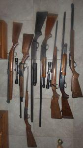 8 guns