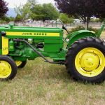 1958_JohnDeere_320